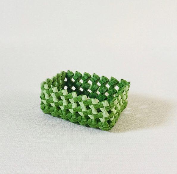 クラフトバンド 石畳み編み(四つだたみ編み)