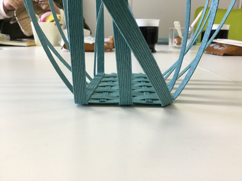 クラフトバンド 底の編み方