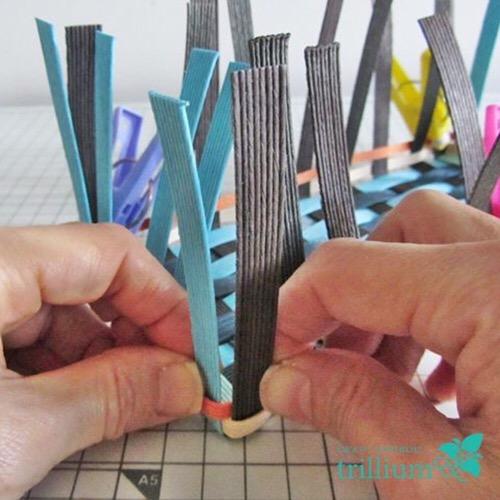 クラフトバンド角の編み方